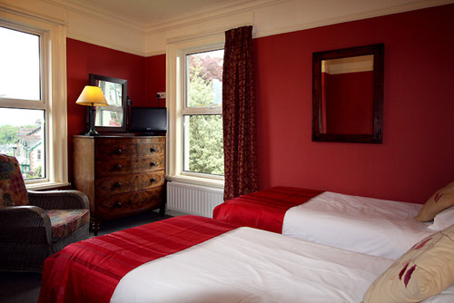 Ensuite twin at Hazelwood self-catering cottage in Keswick, the Lake District